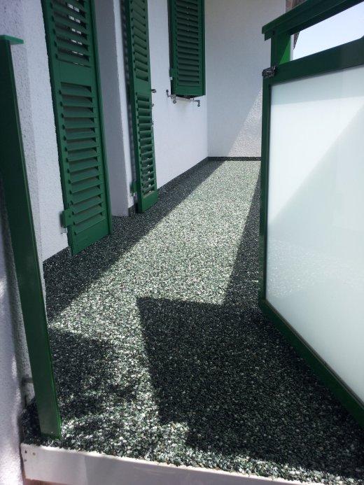 Kieselsteinboden Als Balkonbelag In Asperg Bilder